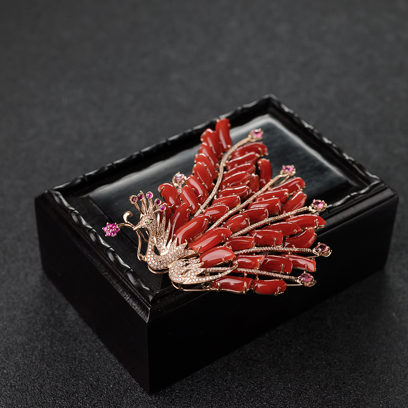 18K金镶钻阿卡珊瑚凤凰胸针-红掌柜