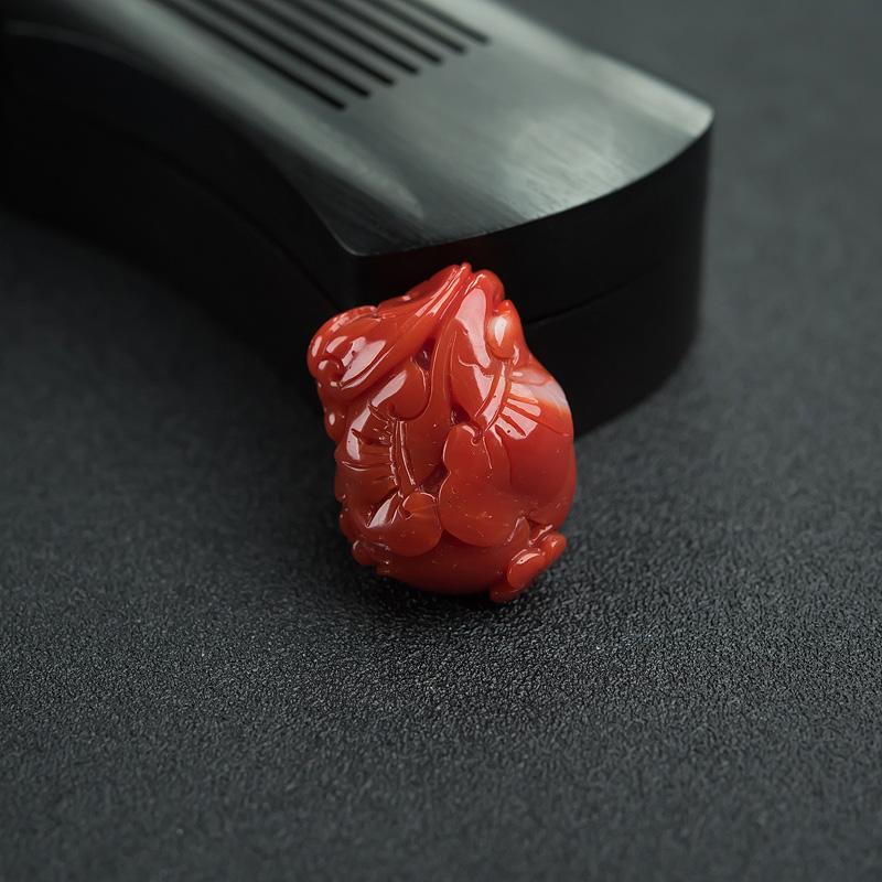阿卡朱红珊瑚如意吊坠-红掌柜
