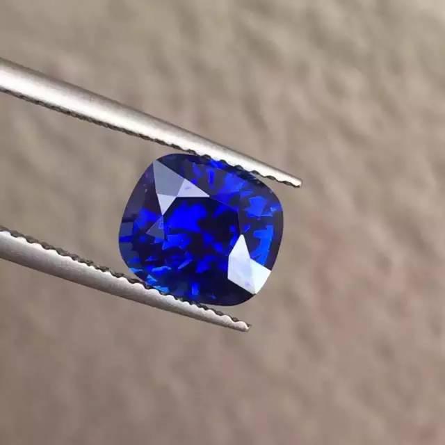 皇家蓝蓝宝石-红掌柜