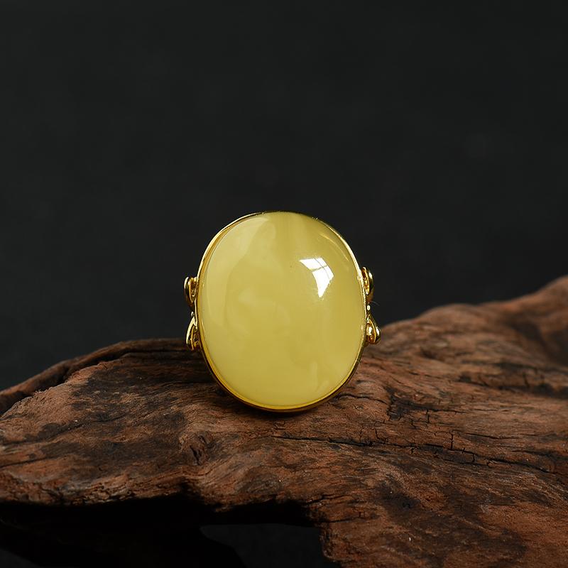 银镶波罗的海天然鸡油黄蜜蜡戒指-红掌柜