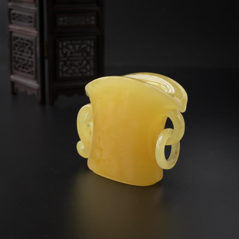 鸡油黄蜜蜡酒樽摆件-红掌柜