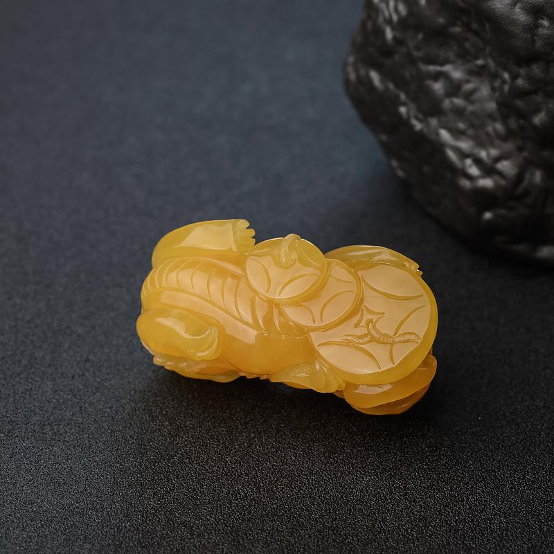 鸡油黄蜜蜡貔貅-红掌柜