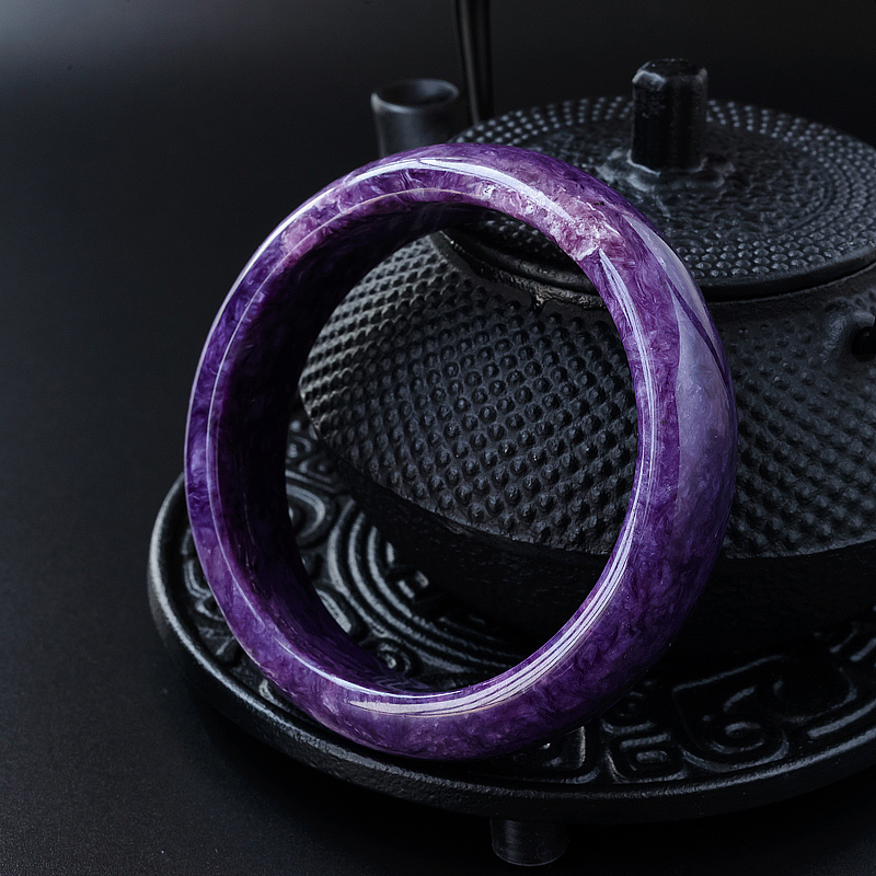 《紫龙晶是什么水晶?紫龙晶手链佩戴禁忌有哪些?》