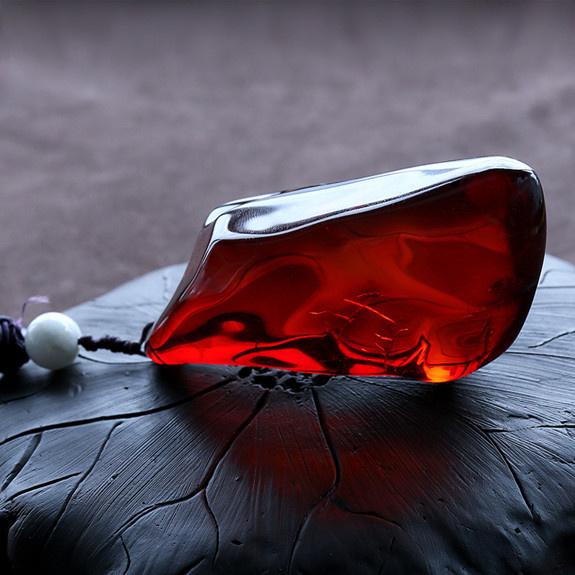 血珀吊坠-红掌柜